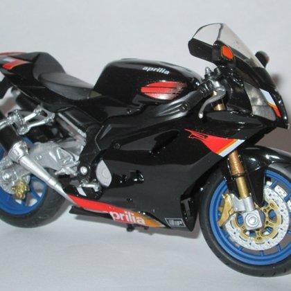 2004 Aprilia RSV 1000 R  (Solido)