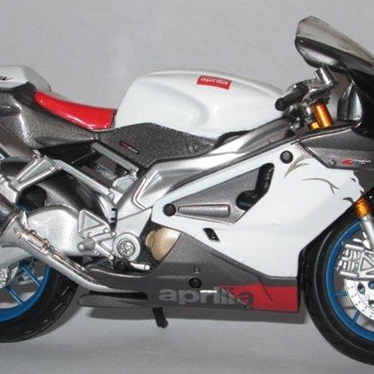 2006 Aprilia RSV 1000 R (Maisto)