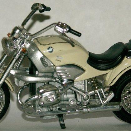 2004 BMW R1200C (Welly)