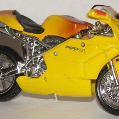 2003 Ducati 999s (Maisto)