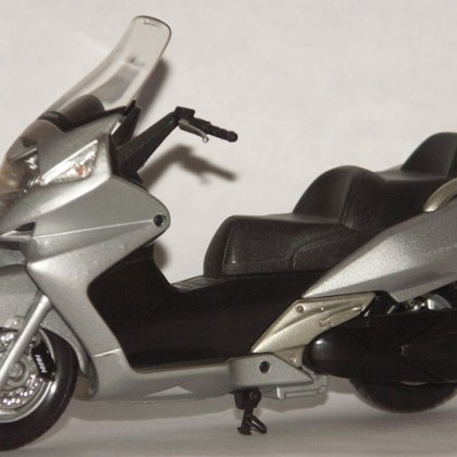 2001 Honda Silver Wing (Welly)