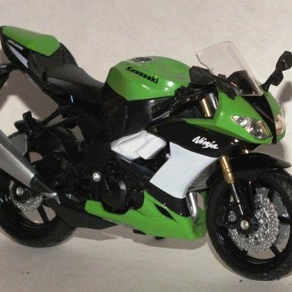 2010 Kawasaki Ninja ZX-10R (Welly)