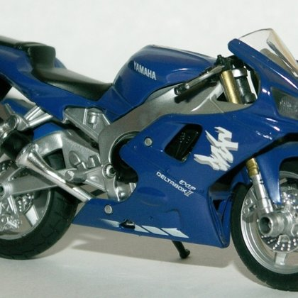 2000 Yamaha 1000 YZF-R1 (Maisto)